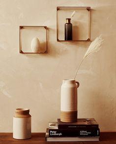 ETAJERĂ CU CADRU METALIC Key Shelf, Frame Shelf, Living Room Mirrors, Rugs In Living Room, Shelf Furniture, Bedroom Furniture, Zara Home Canada, Zara Home España, Small Hallways