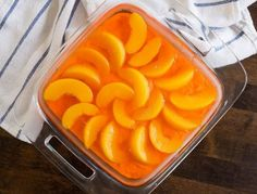 Peach Pretzel Jello Salad - Looks great, but I think I will use fresh peaches Jello Fruit Salads, Jello Pretzel Salad, Jello With Fruit, No Bake Desserts, Delicious Desserts, Peach Jello, Jello Recipes, Rib Recipes, Salad Recipes