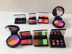 MAQUILLANDO CARAS MUÑECAS.- How to make Doll Makeup: eye shadows and blush - YouTube