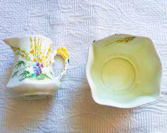 Royal Standard Broom Pattern Flower Handle Yellow Cream and Sugar Set - Edit Listing - Etsy Pattern Flower, Flower Patterns, English China, Sugar Spoon, Yellow Cream, Pottery Making, Cream And Sugar, Tea Cups, Handle
