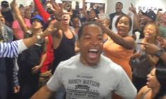 The Casts of Broadway's 'Lion King' & 'Aladdin' Have an Epic Airport Sing-Off