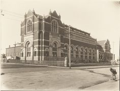BA1271/224: Hackett Hall, the Public Library of Western Australia building, corner James and Museum Streets, Perth, ca.1935. https://encore.slwa.wa.gov.au/iii/encore/record/C__Rb2102999