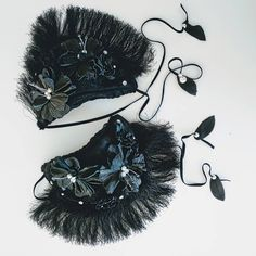 Instead of living with a chip on your shoulder, live with your epaulettes on them Alien Halloween Costume, Shoulder Pads, Chips, Fur, Fancy, Live, Leather, Accessories, Instagram