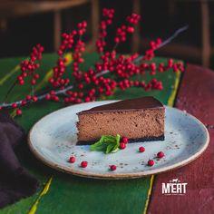 Chocolate mousse #beatgroup #steakhouse #steaks #meat #meatbybeat #baku #azerbaijan #restaurants #food #cuisine #studiobelenko #belenko #desserts #mousse #chocolatemousse
