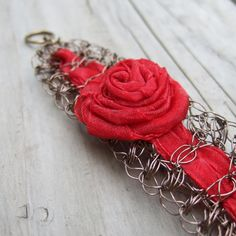Rojo rosa pulsera cable rojo brillante del por ColorwayJewelry