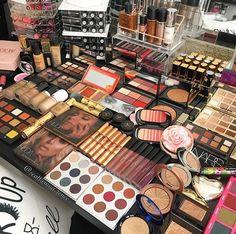 ⚠️NishXO 💖 Fancy Makeup, Bright Eye Makeup, Makeup Eye Looks, Skin Makeup, Eyeshadow Makeup, Makeup Cosmetics, Makeup Brushes, Beauty Makeup, Makeup Storage