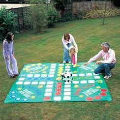 Giant Outdoor Games DIY | Giant Garden Ludo Party Game: Amazon.co.uk: Toys & Games