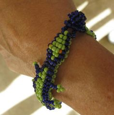 Square Stitch Allegator Bracelet.  Don't go near the water.   ~ Seed Bead Tutorials