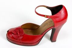 The Ballet Dancer's Red Shoes ~ Retro High Drama Cherry Platforms & How Ballet Slippers Originally Came Into Fashion as Street Shoes ~ From The Lady Violette Shoe Collection Vintage Style Shoes, Vintage Outfits, Vintage Fashion, Fashion Shoes, Fashion Accessories, Women's Fashion, 1940s Shoes, Walk In My Shoes, New Shape