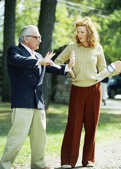 Martin Scorsese gives Cate Blanchett directions on the set of 'The Aviator', 2004. // Directed by	Martin Scorsese Produced by	Michael Mann Sandy Climan Graham King Charles Evans, Jr. Written by	John Logan Based on	Howard Hughes: The Secret Life by Charles Higham Starring	Leonardo DiCaprio Cate Blanchett Alan Alda Alec Baldwin Kate Beckinsale John C. Reilly Gwen Stefani Jude Law Music by	Howard Shore Cinematography	Robert Richardson