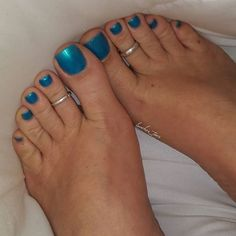 Here's a for snack time. Cute Toe Nails, Nice Nails, Fun Nails, Beautiful Toes, Pretty Toes, Blue Toes, Mountain Climbers, Sexy Toes, Female Feet
