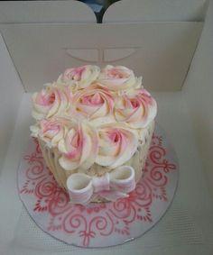 Small buttercream rose cake