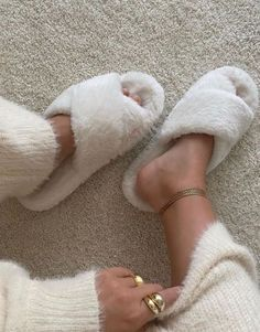 Cream Aesthetic, Boujee Aesthetic, Brown Aesthetic, Nude Colors, Style Urban, Estilo Blogger, Look Girl, Poses, Mode Inspiration