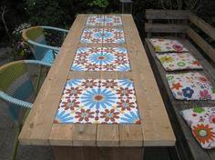 tafel met inleg van portugese cementtegels - Azule - VN Rosso 6 - 20x20cm - €69.50/m²