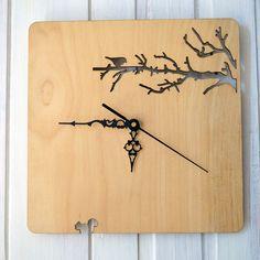 Reloj de pared de madera. Ramas y pájaros por BenditaIndomina
