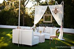 Like this #outdoor #living room? Perfect for the in-betweens of a #wedding…