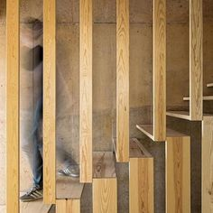 The staircase inside a concrete house in Portugal. added: this wooden staircase give some nice lines, shapes and give good contrast in the gaps Interior Staircase, Modern Staircase, Staircase Design, Interior Architecture, Wood Staircase, Staircase Ideas, Stair Design, Balustrade Design, Staircase Makeover