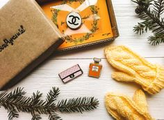 Chanel Wooden Pins Set Fashion Paris patch Lagerfeld Bag Fragrance Perfume Chanel No5 Brooches France