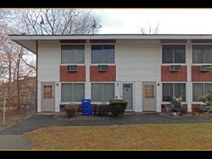 197 FLAX HILL RD (Norwalk, CT 06854) - $149,000: One-bedroom townhouse style condo unit. low hoa at only $125 mo (incls water/sewer). pets ok. 1st fl living room & kitchen. 2nd fl bedroom, walk-in closet & full bathroom w/ laundry. average condition. no noted repairs needed. subject to chase short sale. - Top End Properties