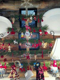 Gamla-mormor Swedish christmas tree!!