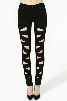 Lattice Leg Skinny Jeans- I am way to obsessed with cutouts.these jeans can be super dressed up or down, outfit ideas are racing through my head I need to hide my credit card asap. Sexy Jeans, Ripped Jeans, Black Jeans, Skinny Jeans, Black Skinnies, Black Cardigan, Cute Fashion, Fashion Outfits, Womens Fashion
