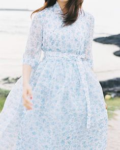 NEW ✨패턴의 이중철릭 원피스 내일 게시 예정입니다… Korea Fashion, Asian Fashion, Fashion Beauty, Modern Hanbok, Japan Outfit, Modern Outfits, Asian Style, Traditional Dresses, Bohemian Style