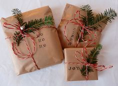 Christmas Decorations Ideas Bringing The Christmas Spirit into Your Living Room simple Christmas gift wrap: brown paper, stamps, evergreen and twine!simple Christmas gift wrap: brown paper, stamps, evergreen and twine! Noel Christmas, Merry Little Christmas, Winter Christmas, Cheap Christmas, Elegant Christmas, Simple Christmas Gifts, Christmas Ideas, Diy Christmas Presents, Etsy Christmas