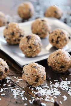 No Bake Chocolate Chip Energy Bites ~ Delicious Energy Bites Loaded with Chocolate Chips, Coconut, Oats, Flaxseed and Chia Seeds!