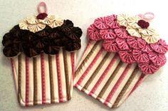 Pega panelas Cupcake , com fuxico - * Decoração e Invenção *