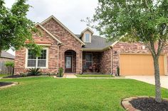 ** NEW LISTING ALERT ** Looking for a wonderful home in The Reserve At Highland Glen? Beautiful 1-story home features 4 bedrooms and oversized backyard! Open floor plan & large island kitchen which opens to the spacious breakfast room & gorgeous den. Listed at: $275,000. Large master suite includes private bath w/double sinks, oversized whirlpool tub, extended shower & walk in closet. Call The Christy Buck Team (832)-264-8934 today to schedule your appointment.