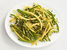 Garlic-Caper Green Beans : Garlic and capers are two simple ingredients that pack a mean punch. They work together in this simple recipe for a big-flavor side dish that's done in 15 minutes.