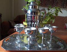Hey, I found this really awesome Etsy listing at https://www.etsy.com/listing/214655332/gorgeous-vintage-chrome-cocktail-shaker