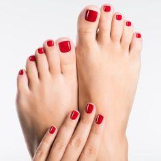 Para tener uñas saludables, ten cuidado con la manicura y la pedicura