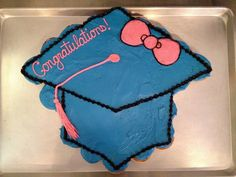 graduation cupcake cake pictures | Graduation cupcake cake by Honolulu bakery and Cupcake Wars winner ...