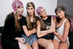fun at #backstage #models #fashion #moda Taylor Hill, Super Hair, Backstage, Runway, Fun, Style, Fashion, Cat Walk, Swag