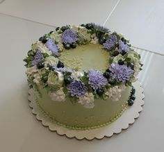 Pretty Birthday Cakes, Pretty Cakes, Beautiful Cakes, Amazing Cakes, Elegant Birthday Cakes, Simple Cake Designs, Pastel Cakes, Frog Cakes, Cute Baking
