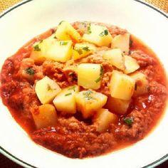 Batata cozida com atum ao molho de tomate (nomicroondas)