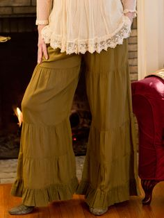 Who knew pants could be so much fun? Four tiers of gathered rayon culminate in a fabulous flounced gauze cuff in our cool and comfy Carly Pant. Wide legged and falling to below the ankle, you are sure