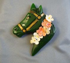 Dark Green BAKELITE Horse Head Pin