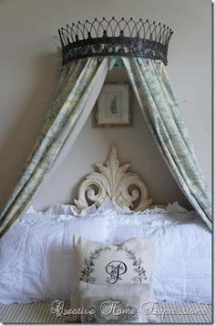 Bed crown