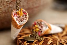 Ilianne | Jewelry Made of Love - Pitta Gyros Pendant Clay Food, Pitta, Polymer Clay, Jewelry Making, Necklaces, Candy, Pendant, Breakfast, Sweet
