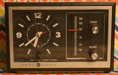 Old School Ivory and Black  General Electric Clock Radio