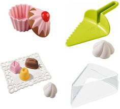 Would you like a cupcake or a slice of fancy cake? The decision is yours! Just fill the 'candy' moulds with damp sand 'dough', spread it evenly, turnover the moulds onto the platter (or into the muffin base), lift, and voila! #haba #sandplay #outdoorfun #beachtoys