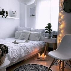 33 awesome college bedroom decor ideas and remodel # idea .- 33 tolle College-Schlafzimmer Dekor-Ideen und umgestalten 33 awesome college bedroom decor ideas and … - College Bedroom Decor, Dorm Room, Diy Bedroom, Bedroom Inspo, Bedroom Furniture, Girls Bedroom, Tumblr Bedroom Decor, Bedroom Ideas For Teen Girls Tumblr, Small Bedroom Inspiration