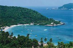 Playa Las Gatas, una de las más paradisíacas de #Zihuatanejo, en el estado mexicano de #Guerrero.