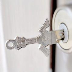 It's dangerous to go alone, take this! Master Sword key! #shutupandtakemyyen #zelda #breathofthewild #botw #legendofzelda #thelegendofzelda #nintendo #key #link