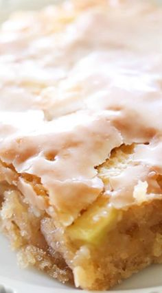 Apple Sheet Cake - Chef in Training Caramel Apple Sheet Cake - no description needed. picture says it all…Caramel Apple Sheet Cake - no description needed. Amish Recipes, Baking Recipes, Sweet Recipes, Pie Recipes, Easy Recipes, Dutch Recipes, Meatloaf Recipes, Frosting Recipes, Cooker Recipes