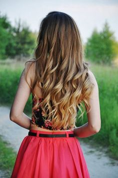 ombre dirty blonde curls