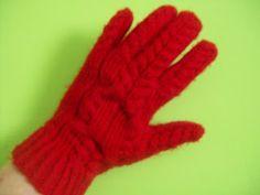 Pchły Szachrajki: Rękawiczki z warkoczami Gloves, Winter, Fashion, Winter Time, Moda, Fashion Styles, Fashion Illustrations, Winter Fashion