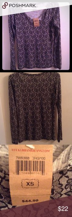 Lucky Brand black and white floral Floral cute top long sleeve great condition with tags original $44.50 Lucky Brand Tops Tees - Long Sleeve